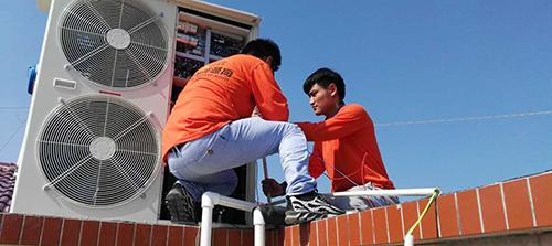 济南南部山区别墅空气能热泵供暖制冷系统